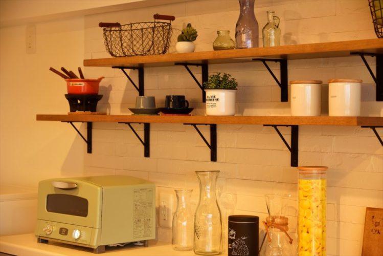 壁面にのエコカラットが湿気や嫌な匂いを吸収して心地よい空気を提供します