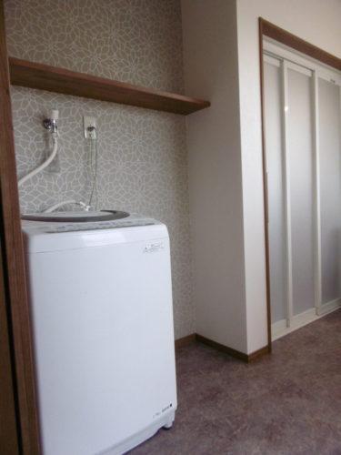 洗面スペースと洗濯スペースをきっちり分けて、使いやすい