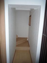今まで外からしか行くことができなかった2階。長年使わなかった2階も全面リフォーム。