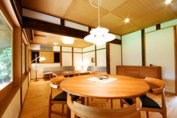 和風建築と北欧家具が融合した温かみのある空間