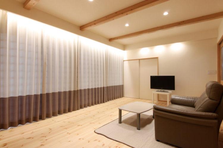 調光・調色できるラインコントロールシステムで好みの照明を演出できます