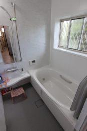 断熱性・清掃性に優れた最新の浴室